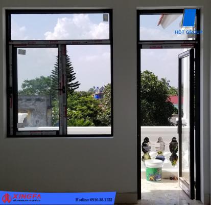 Cửa đi kết hợp cửa sổ trượt bên hông nhà
